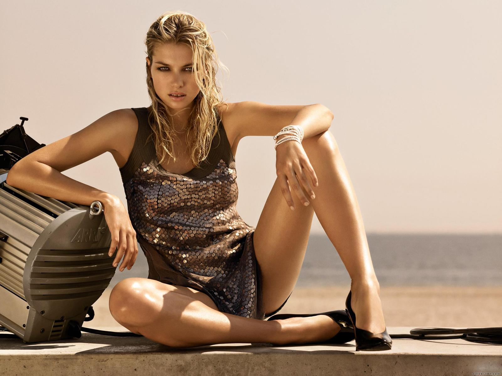 jessica hart high quality wallpaper size 1600x1200 of