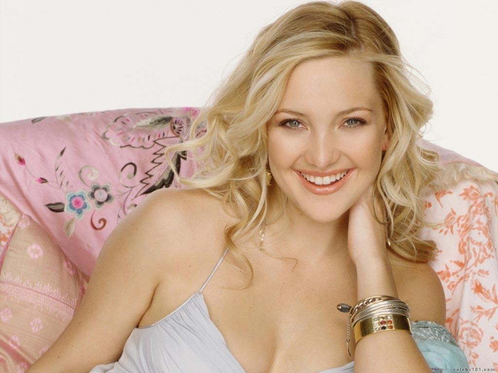 http://www.celebs101.com/wallpapers/Kate_Hudson/151109/Kate_Hudson_Wallpaper_9.jpg
