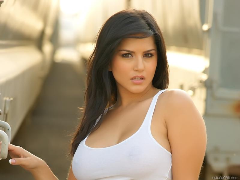http://www.celebs101.com/wallpapers/Sunny_Leone/327476/Sunny_Leone_Wallpaper.jpg