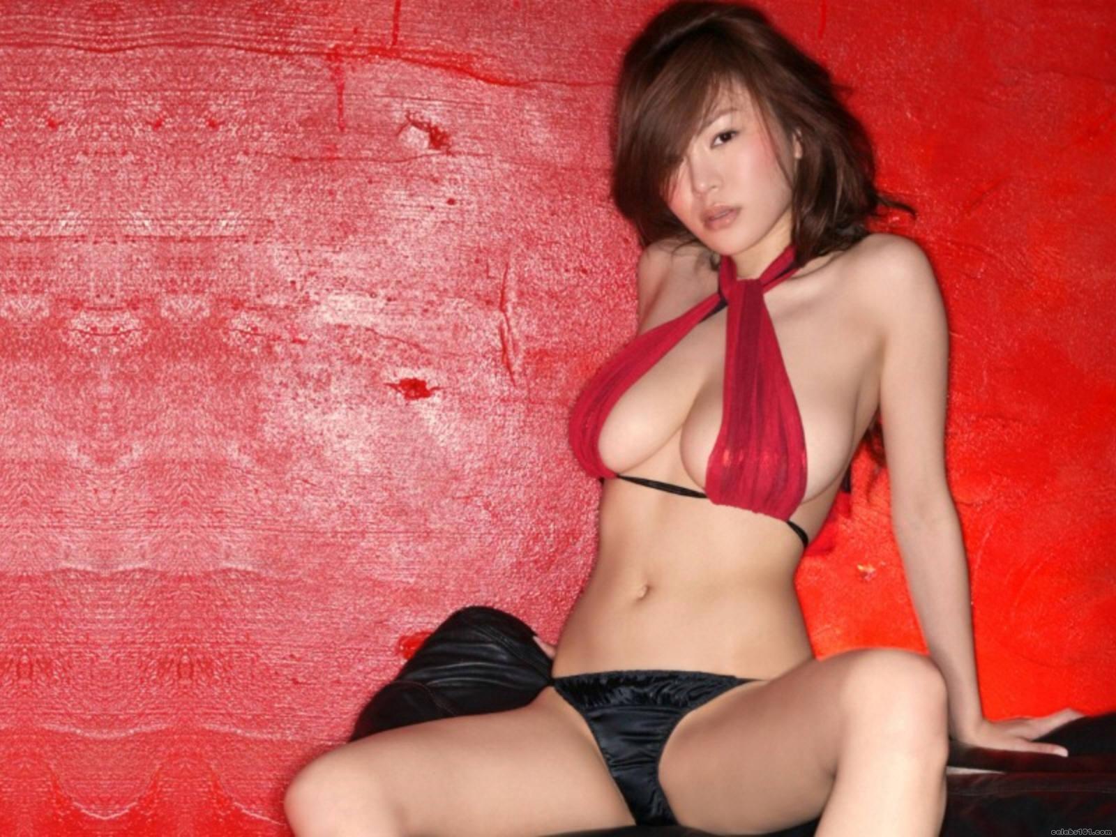 http://www.celebs101.com/wallpapers/Yoko_Matsugane/148109/youko291600x1200.jpg