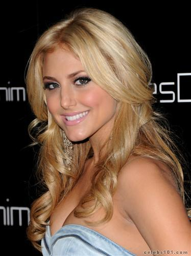 Cassie Scerbo Picture