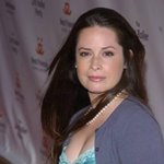 holly marie combs photo 97