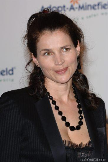 Julia Ormond Photos