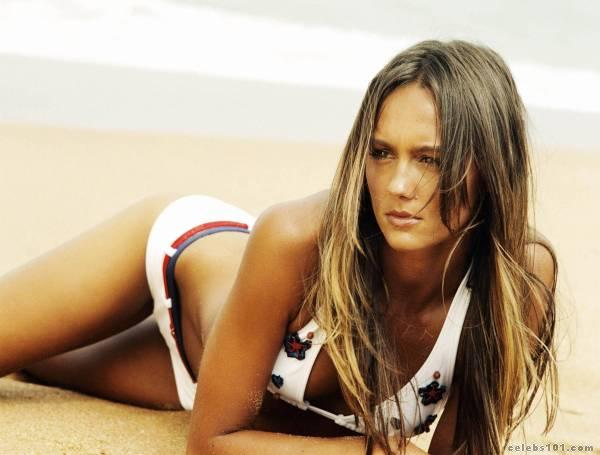 sharni vinson photo 10