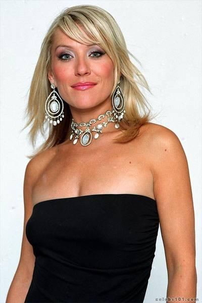 zoe lucker photo 4
