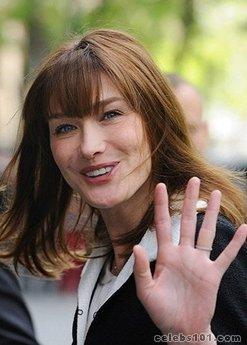 Thieves steal laptop with Carla Bruni family snaps