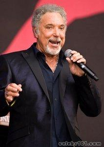 Ailing Tom Jones cancels shows in Singapore, Seoul