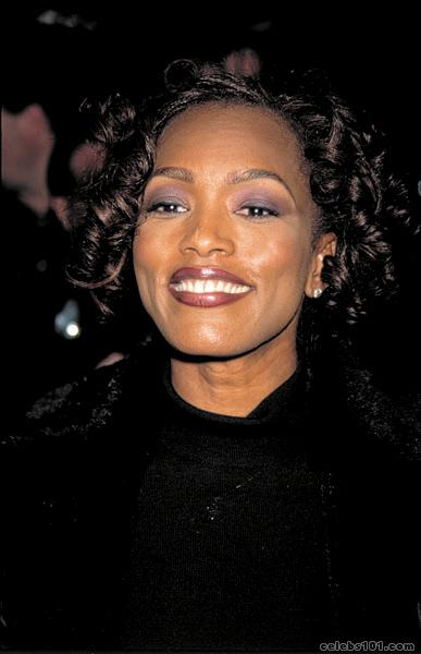 angela bassett photo 38