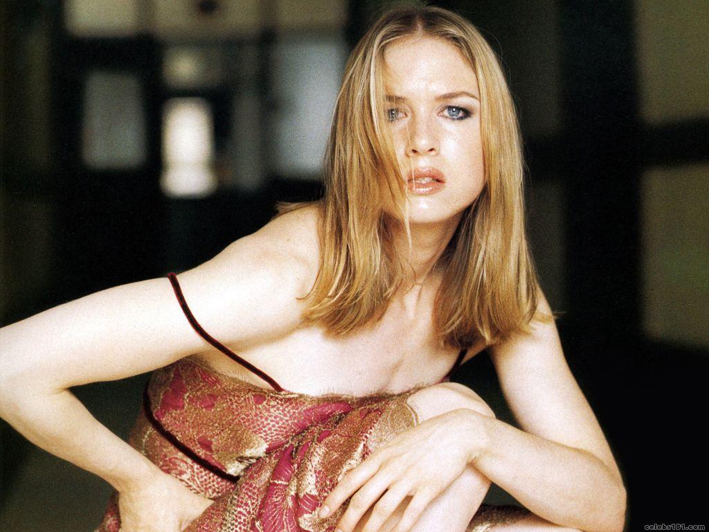 Renee Zellweger Wallpaper