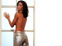 Shannon Elizabeth Wallpaper